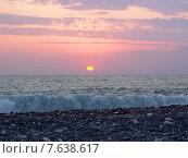 Купить «Красивый морской закат», фото № 7638617, снято 9 августа 2006 г. (c) Евгений Ткачёв / Фотобанк Лори