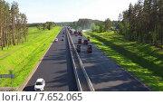 Купить «Вид с воздуха на ремонт дорог», видеоролик № 7652065, снято 7 июля 2015 г. (c) Discovod / Фотобанк Лори