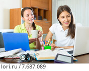 Girls preparing for graduation exam. Стоковое фото, фотограф Яков Филимонов / Фотобанк Лори