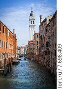 Вид на наклонную Колокольню собора Святого Георгия в Венеции (2012 год). Стоковое фото, фотограф Валерий Апальков / Фотобанк Лори