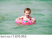 Купить «Маленькая девочка в море», фото № 7870953, снято 14 июня 2015 г. (c) Морозова Татьяна / Фотобанк Лори