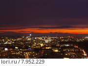 Купить «red sky city sunset mood», фото № 7952229, снято 15 сентября 2019 г. (c) PantherMedia / Фотобанк Лори