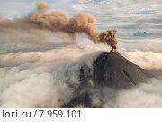 Купить «Вулкан Карымский», фото № 7959101, снято 7 августа 2013 г. (c) Ушаков Николай / Фотобанк Лори