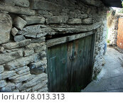 Купить «old stone door entrance decompose», фото № 8013313, снято 21 марта 2019 г. (c) PantherMedia / Фотобанк Лори