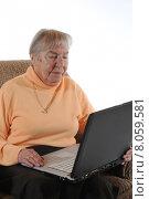 woman computer laptop notebook computers. Стоковое фото, фотограф Peter Jobst / PantherMedia / Фотобанк Лори