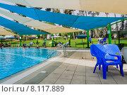 Бассейн в городе Омер, Негев, Израиль (2015 год). Редакционное фото, фотограф Наталия Пылаева / Фотобанк Лори