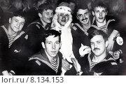 Купить «Новогодний праздник в период срочной службы в военно морском флоте. Владивосток, Учебный отряд подводного плавания (УОПП), 1985 год», эксклюзивное фото № 8134153, снято 4 апреля 2020 г. (c) Евгений Мухортов / Фотобанк Лори