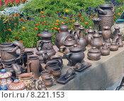 Торговля глиняной посудой. Стоковое фото, фотограф Игорь Хамицаев / Фотобанк Лори