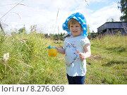 Девочка в деревне. Стоковое фото, фотограф Кокорина Валерия Николаевна / Фотобанк Лори