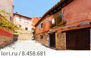 Купить «Sunny street of old spanish town», фото № 8458681, снято 24 августа 2013 г. (c) Яков Филимонов / Фотобанк Лори
