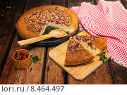 Купить «Свежий манник с брусникой на завтрак», фото № 8464497, снято 31 июля 2015 г. (c) Наталья Осипова / Фотобанк Лори
