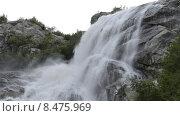 Купить «Алибекский водопад на Домбае, горы Северного Кавказа», эксклюзивный видеоролик № 8475969, снято 30 июля 2015 г. (c) Алексей Бок / Фотобанк Лори