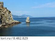 """Купить «Вид на скалу """"Парус"""" из замка Ласточкино гнездо, Крым», фото № 8482829, снято 23 июня 2015 г. (c) Жанна Коноплева / Фотобанк Лори"""
