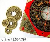 Купить «Feng shui compass and coins», фото № 8564797, снято 22 февраля 2019 г. (c) PantherMedia / Фотобанк Лори