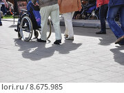 Купить «walk pushing wheelchair hampered shove», фото № 8675985, снято 16 октября 2019 г. (c) PantherMedia / Фотобанк Лори