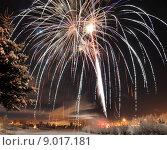 Купить «Arctic Solstice Fireworks», фото № 9017181, снято 20 сентября 2019 г. (c) PantherMedia / Фотобанк Лори