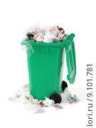 Купить «overflowing garbage bin», фото № 9101781, снято 18 октября 2018 г. (c) PantherMedia / Фотобанк Лори