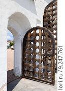 Купить «Вход в крепость», фото № 9247761, снято 15 июля 2015 г. (c) Владимир Мельников / Фотобанк Лори