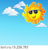 Купить «Happy Sun with sunglasses on sky», иллюстрация № 9258781 (c) PantherMedia / Фотобанк Лори