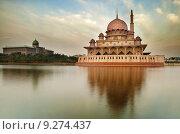 Купить «The Putra Mosque», фото № 9274437, снято 22 октября 2018 г. (c) PantherMedia / Фотобанк Лори