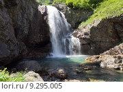 Купить «Водопад ручья Санчаро, КЧР», фото № 9295005, снято 13 июня 2015 г. (c) Оглоблин Андрей Николаевич / Фотобанк Лори