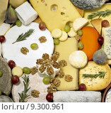 Купить «cheese still life with fruit», фото № 9300961, снято 22 августа 2018 г. (c) PantherMedia / Фотобанк Лори