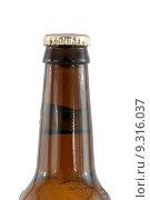 Купить «Isolated brown beer bottle with cap», фото № 9316037, снято 20 апреля 2018 г. (c) PantherMedia / Фотобанк Лори