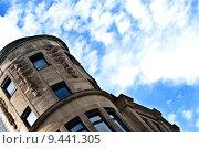 Купить «blue sky old building buildings», фото № 9441305, снято 20 октября 2018 г. (c) PantherMedia / Фотобанк Лори