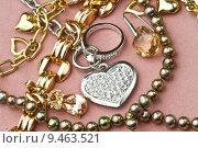 Купить «gold  jewelry », фото № 9463521, снято 14 декабря 2017 г. (c) PantherMedia / Фотобанк Лори