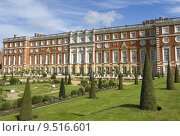 Купить «Hampton Court Palace», фото № 9516601, снято 20 июня 2019 г. (c) PantherMedia / Фотобанк Лори