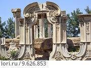 Купить «Ancient Gate Ruins Pillars Old Summer Palace Yuanming Yuan Beiji», фото № 9626853, снято 22 февраля 2019 г. (c) PantherMedia / Фотобанк Лори