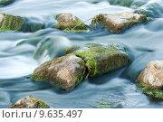 Бурный поток каменистой горной реки. Стоковое фото, фотограф Антон Глущенко / Фотобанк Лори