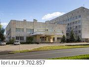 Купить «Здание Уфимского государственного нефтяного технического университета в г. Уфе», фото № 9702857, снято 15 августа 2015 г. (c) Коротнев / Фотобанк Лори