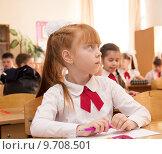 Купить «Девочка на уроке», фото № 9708501, снято 23 мая 2015 г. (c) Олег Хархан / Фотобанк Лори