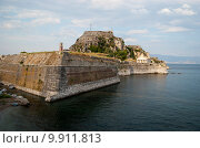 Купить «Старая крепость на острове Корфу», фото № 9911813, снято 7 августа 2015 г. (c) Наталья Быстрая / Фотобанк Лори