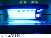 Купить «Tanning solarium light machine blue color», фото № 9980141, снято 23 апреля 2018 г. (c) PantherMedia / Фотобанк Лори