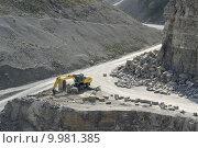 Купить «shovel quarry dredger baumaschinen schaufelbagger», фото № 9981385, снято 24 марта 2019 г. (c) PantherMedia / Фотобанк Лори