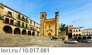 Купить «Plaza Mayor in Trujillo», фото № 10017081, снято 18 ноября 2014 г. (c) Яков Филимонов / Фотобанк Лори