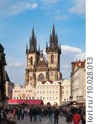 Купить «Церковь Девы Марии перед Тыном, Староместская площадь, Прага, Чехия», эксклюзивное фото № 10028013, снято 3 апреля 2012 г. (c) Давид Мзареулян / Фотобанк Лори