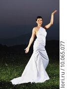 Купить «beautiful bride outdoor after wedding ceremny», фото № 10065077, снято 22 октября 2018 г. (c) PantherMedia / Фотобанк Лори