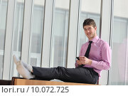 Купить «young business man talk by cellphone», фото № 10072725, снято 4 апреля 2020 г. (c) PantherMedia / Фотобанк Лори