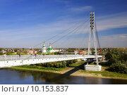Купить «Вид на мост Влюбленных и реку Туру в Тюмени», фото № 10153837, снято 8 сентября 2012 г. (c) Манапова Екатерина / Фотобанк Лори