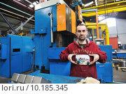 Купить «industry workers people in factory», фото № 10185345, снято 17 июня 2019 г. (c) PantherMedia / Фотобанк Лори