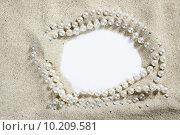 Купить «beach white sand pearl necklace blank copy space», фото № 10209581, снято 23 января 2019 г. (c) PantherMedia / Фотобанк Лори