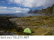 Купить «Camping on Lofoten», фото № 10211497, снято 16 июля 2019 г. (c) PantherMedia / Фотобанк Лори