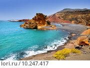 Купить «Lanzarote El Golfo Lago de los Clicos», фото № 10247417, снято 22 апреля 2019 г. (c) PantherMedia / Фотобанк Лори