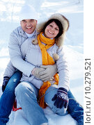 Купить «Portrait of happy mature couple having fun in winter», фото № 10279521, снято 3 июня 2018 г. (c) PantherMedia / Фотобанк Лори