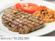 Grilled Tuna steak. Стоковое фото, фотограф Pedro Rebelo / PantherMedia / Фотобанк Лори