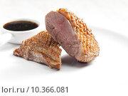 Купить «fried duck breast with sauce of honey, balsamico and red wine», фото № 10366081, снято 26 марта 2019 г. (c) PantherMedia / Фотобанк Лори