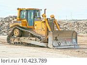Купить «yellow caterpillar bulldozer building machine», фото № 10423789, снято 19 марта 2019 г. (c) PantherMedia / Фотобанк Лори